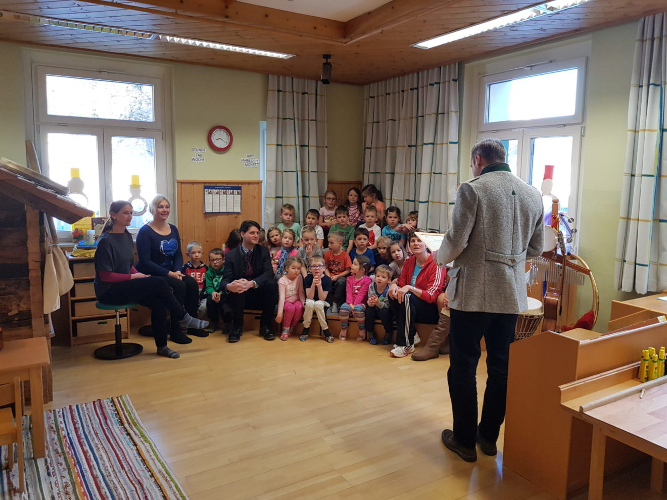 """Kindergarten Zederhaus ist jetzt """"Biosphärenpark Kindergarten"""""""